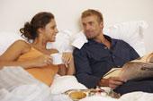 couple breakfast in bed(2)